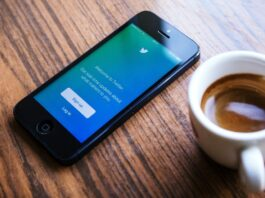 Twitter down for some users globally, replies on tweets not loading